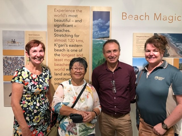 Dr Kim Walker and Duncan Thompson (USC) with honoured guest Su (Tokiko) Dawson, partner of the late Dr John Sinclair AO, and Moyra McRae (QPWS)